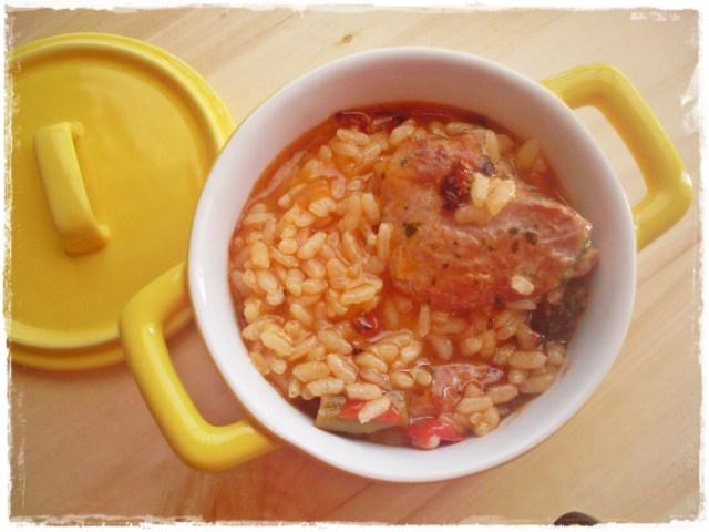 Arroz caldoso con ragú de pavo y toque de ajo