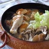 めっちゃ美味しい!鶏肉と白菜と茸の簡単ヘルシー鉄鍋