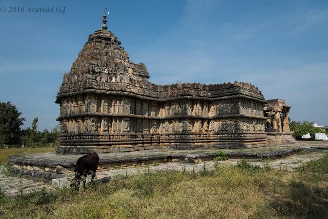 Yoga Narasimha temple, Baggavalli
