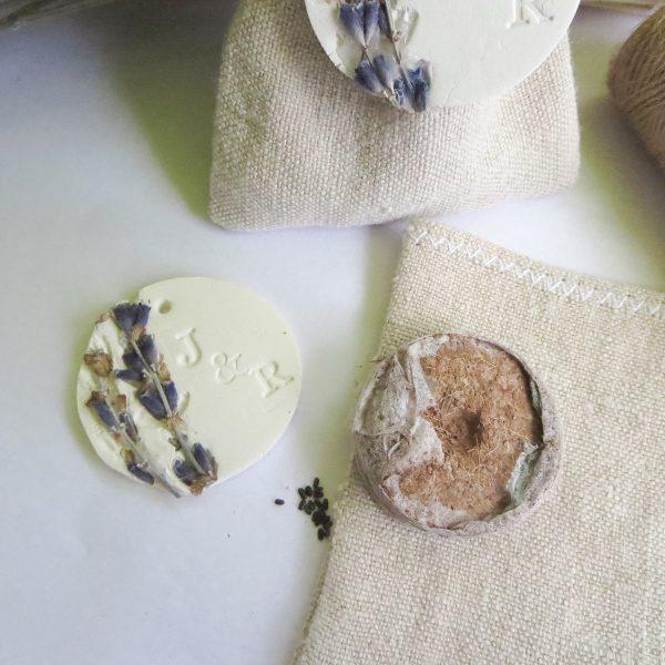 galet de tourbe coco et graines de lavande