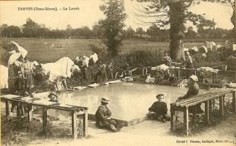 une carte postale ancienne du village de mes parents