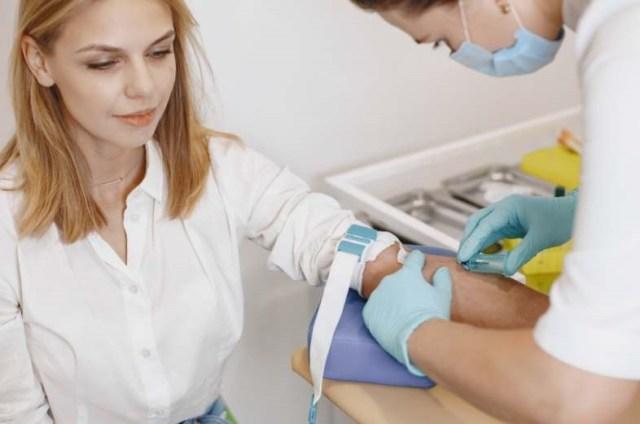 cala estreta mer bleue rochers
