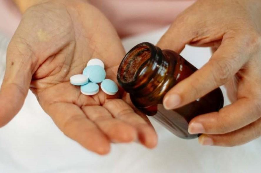 fee aquarelle pieds