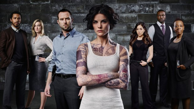 BLINDSPOT -- Pilot -- Pictured (L-R): Ukweil Roach as Borden, Ashley Johnson as Patterson, Sullivan Stapleton as Kurt Weller, Jaimie Alexander as Jane Doe, Audrey Esparza as Tasha Zapata, Rob Brown as Edgar Ramirez, Marianne Jean-Baptiste as Bethany Mayfair -- Photo by Sandro/NBC.