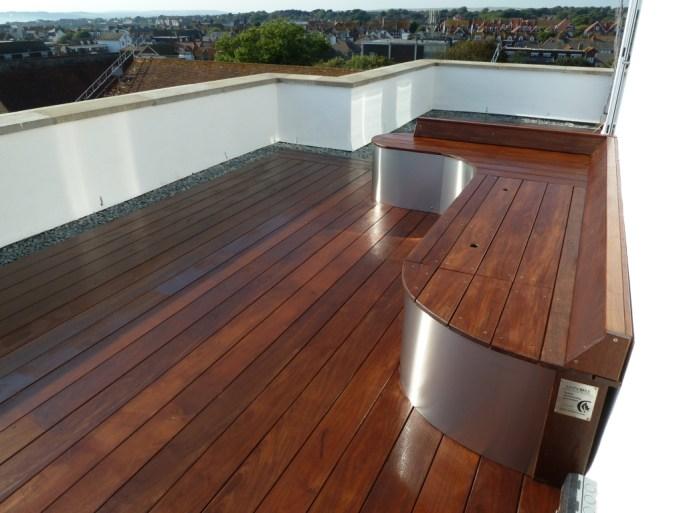 Hardwood decking roof terrace by arbworx
