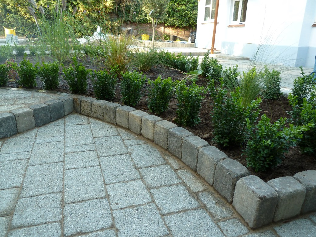 Arbworx : All the Hard Landscaping Complete, Now the Planting Begins