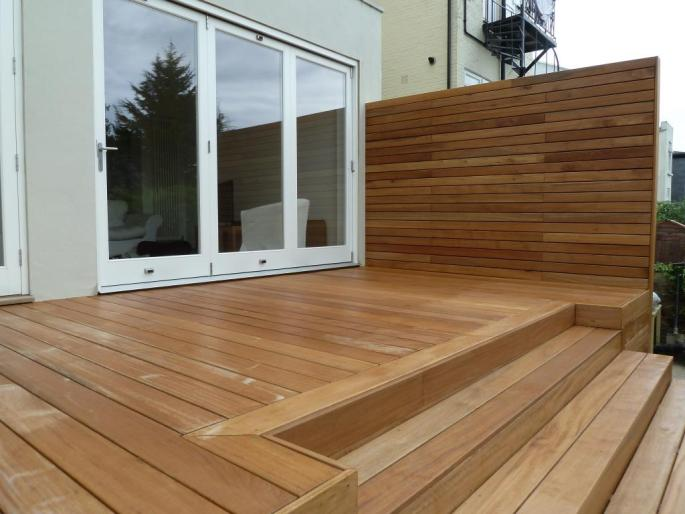 Balau hardwood decking with steps and integral vertical screen