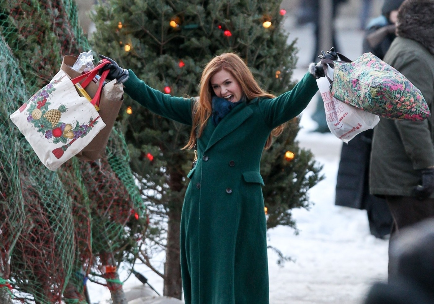 Isla Fisher Confirms That Her Fairytale Film 'Godmothered' Will 'Update  Gender Roles'