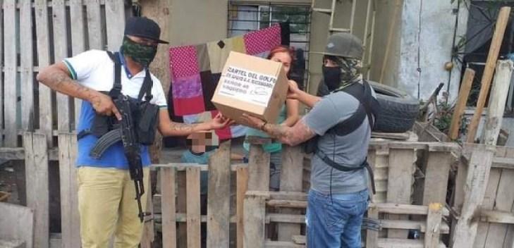Narcos aprovechan coronavirus en México para repartir despensas y ...