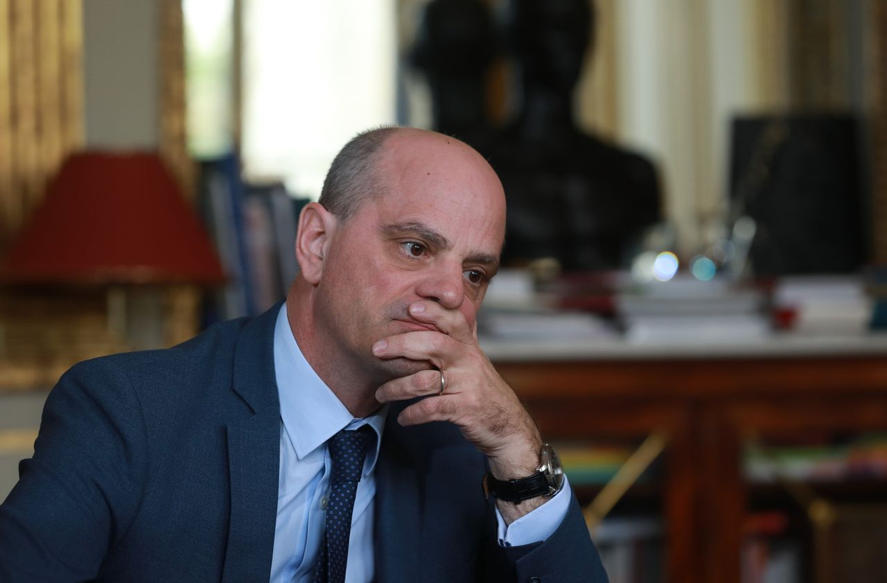 Home School Deconfinement Jean Michel Blanquer In The Hell Of Grenelle Archyworldys