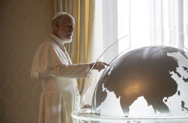"""""""The New Pope"""", une suite électrisante avec un magnifique John Malkovich"""
