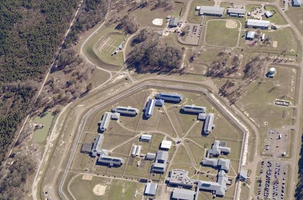 Inside the deadly Oakdale federal prison, the coronavirus creates fear and  danger - The Washington Post