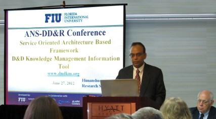 Himanshu Upadhyay presenting D&D KM-IT at DD&R 2012