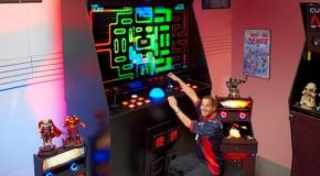 "New ""World's Largest"" Arcade Cabinet Plus Some History On Big Arcades"