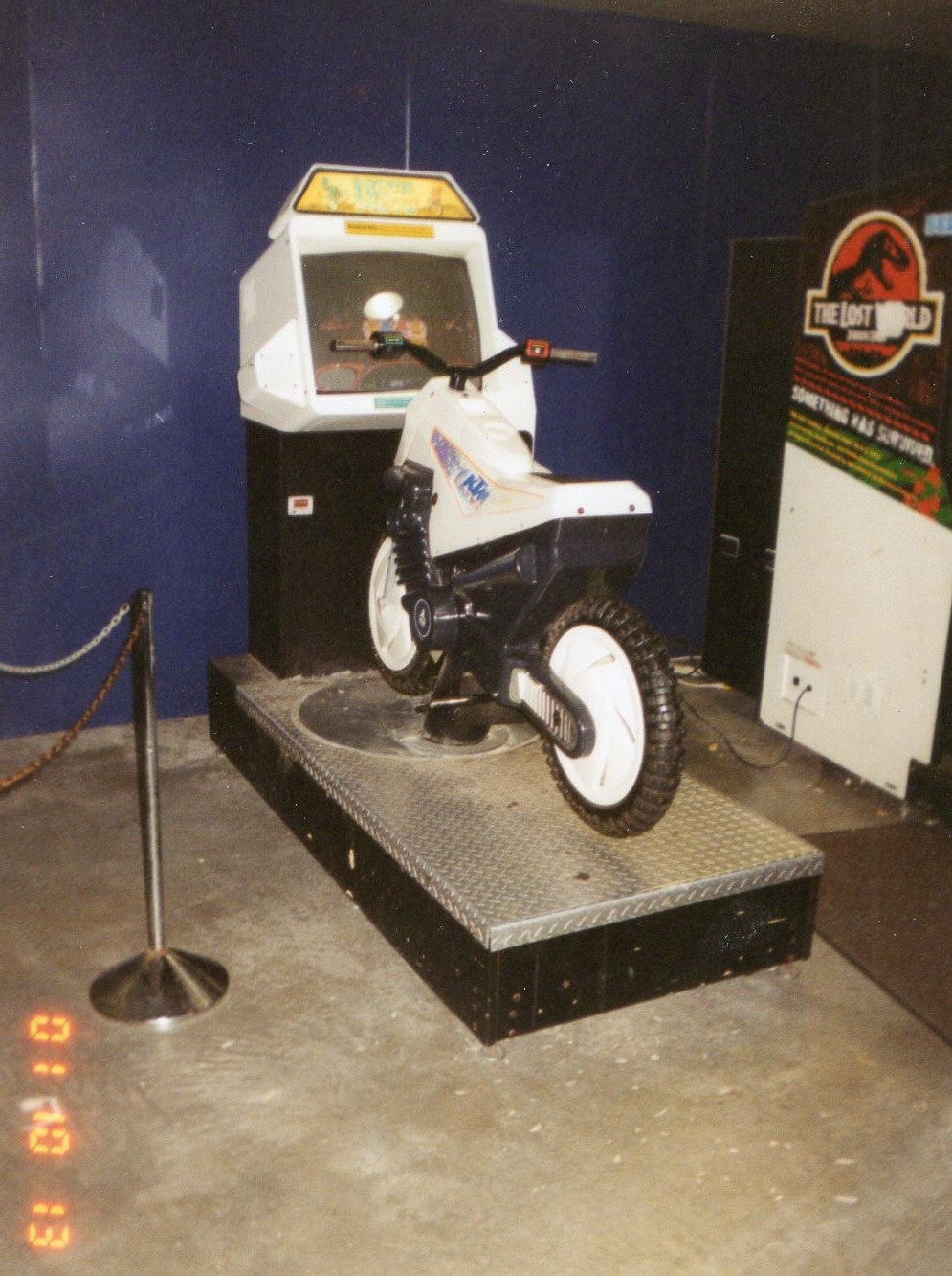 arcade heroes arcade review and history skyquest arcade at the on a 2001 visit to the skylon i found this full sized atari s moto frenzy which is also no longer there