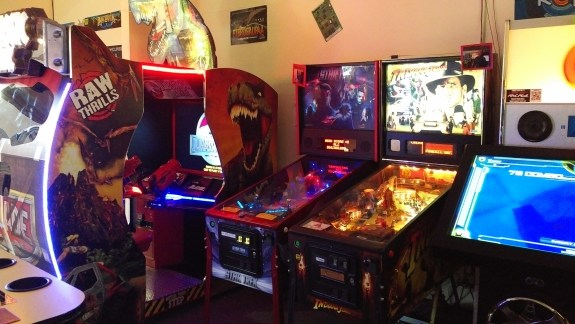 Game Grid Arcade - Jurassic Park & Pinball