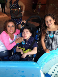 Kelly Piacenti with son and daughter