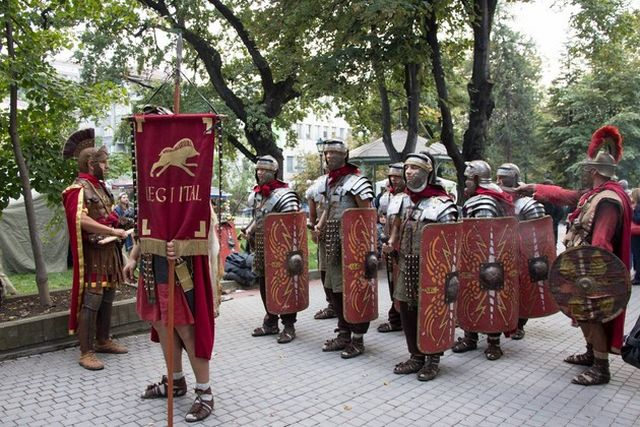 """Reenactors presenting Ancient Roman military tactics and costumes during the 2014 Fall edition of the Eagle on the Danube Festival in Bulgaria's Svishtov entitled """"The Vines of Novae"""". Photo: Nelly Petrova, EagleontheDanube.org"""