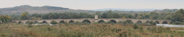 A wide view of the 295-meter Old Bridge in Bulgaria's Svilengrad. Photo: Todor Bozhinov, Wikipedia