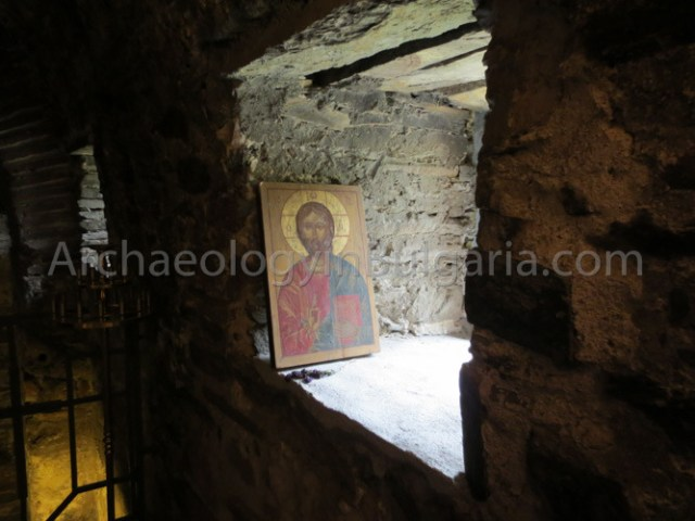 An icon of Jesus Christ inside the well-preserved 12th-13th century Church of the Holy Mother of God in Asen's Fortress near Bulgaria's Asenovgrad. Photo: ArchaeologyinBulgaria.com