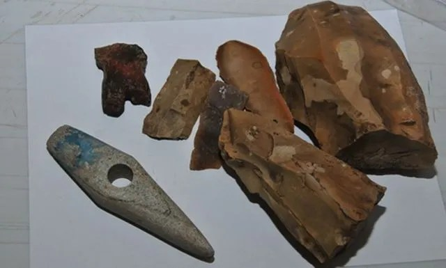 A large amount of prehistoric flint tools have been found by archaeologists in a 7,000-year-old workshop in Bulgaria's Kamenovo, Razgrad District. Photo: Top Novini Razgrad