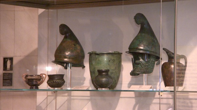 Some Ancient Thracian war helmets, greaves, and other artifacts originating in Bulgaria's Satovcha Municipality have made it to the collection of the Bulgarian National Museum of History in Sofia but only thanks to the efforts of the police. Experts believe that unique finds are constantly being discovered by treasure hunters and smuggled abroad by antique traffickers. Photo: bTV