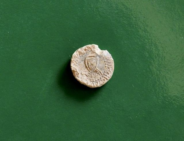The newly found lead seal of Bulgarian Tsar Simeon I the Great (r.893-927 AD) is from the earlier period of his reign, between 893 and 927 AD. Photo: National Museum of History