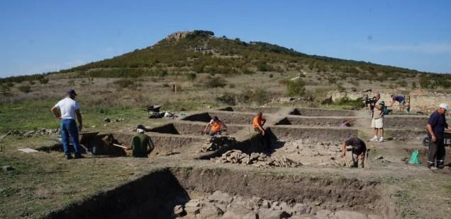 Treasure Hunters Raid over 40 Archaeological Sites in Bulgaria's Yambol District