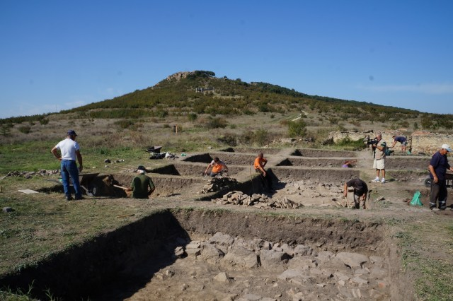 Archaeological excavations in the Yambol District in Southeast Bulgaria. Photo: Delnik.net