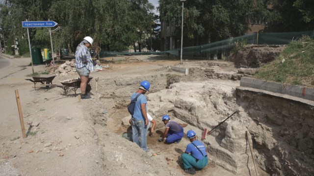 "A ""brand-new"" section of the fortifications of the Ancient Thracian, Roman, Early Byzantine, and medieval Bulgarian city of Almus, including a gate, has been unearthed by the archaeologists in Bulgaria's Lom. Photo: Mont-Press"