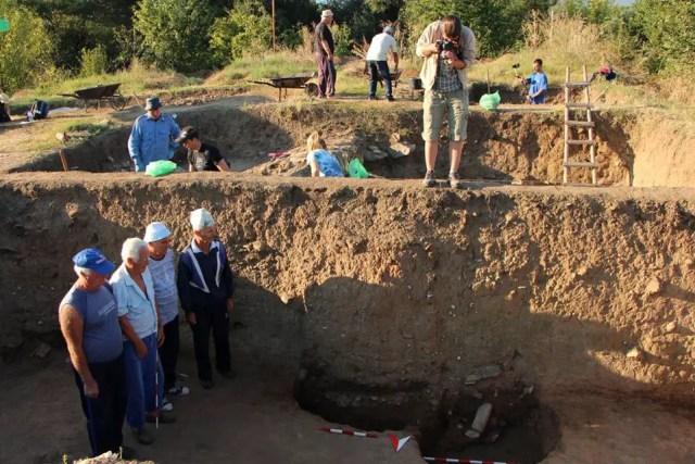 Photo of the excavations of emporium Pistiros in Bulgaria's Vetren in 2014. Photo: Septemvri Museum of Archaeology Facebook Page