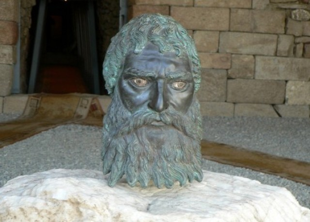 The lifelike bronze head of Ancient Thracian Odryssian King Seuthes III was discovered in 2004 in his tomb near his capital Seuthopolis, near Bulgaria's Kazanlak. Photo: kazanlak.com