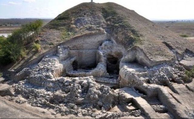 "The Salt Pit settlement near Bulgaria's Provadiya was ""Europe's oldest town"" - it not only grew rich with the production and trading of rock salt but also had a fortress wall as early as the 5th millenium BC. Photo: BBC"