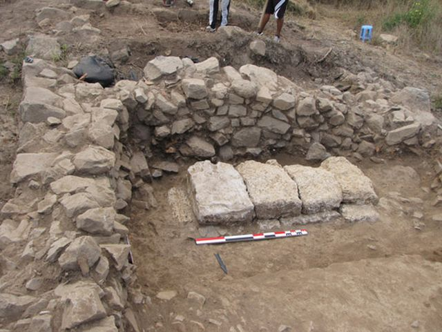 Ruins of Ancient Greek buildings found near the ancient estate from Apollonia Pontica excavated by Bulgarian and French archaeologists near Sozopol. Photo: Chernomorie BG