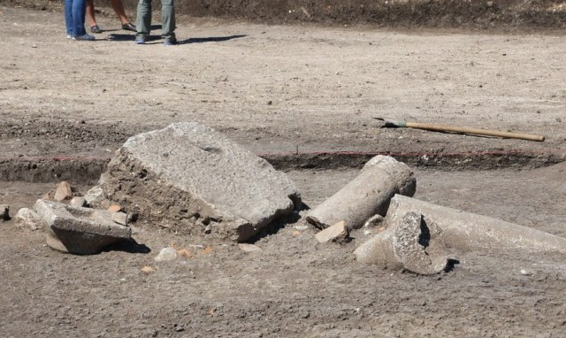 The ruins of an ancient colonnade which lined the entrance of the second Thracian tomb in the King's Mound near Boyanovo have also been found. Photo: ElhovoNews