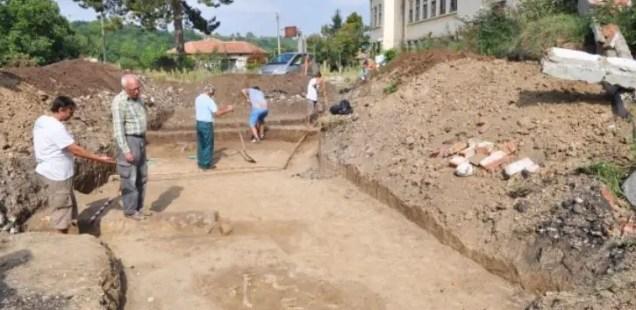 Archaeologists Discover 6,500-Year-Old Prehistoric Necropolis underneath School Yard in Bulgaria's Kamenovo