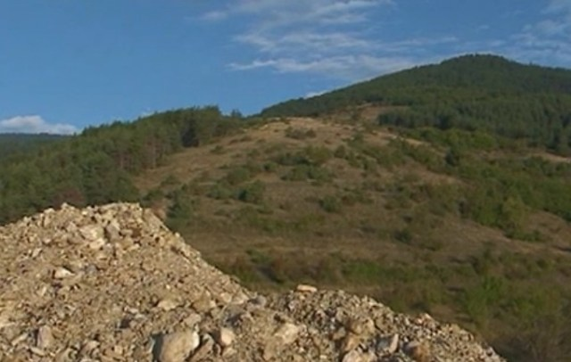 The picturesque Rhodope Mountains have so far revealed a number of Ancient Thracian rock shrines. Photo: TV grab from bTV