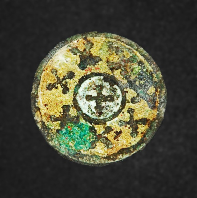 This 6th century AD Early Christian and Early Byzantine medallion featuring eight equal-arm crosses has been found in the ancient Burgos (Poros) Fortress in the Bulgarian Black Sea city of Burgas. Photo: Burgas Regional Museum of History