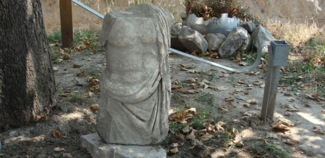 Archaeologist Finds 2 Marble Roman Statues during Excavations of Ancient Forum in Bulgaria's Plovdiv