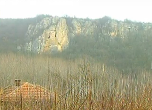 "A view of the rock ""cape"" between two rivers where the ruins of the Burun Kale (""Cape Fortress"") are located, not far from the town of Shirokovo, Ruse District, in Northeast Bulgaria. Photo: TV grab from BNT 2"