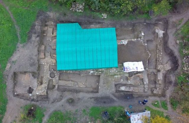 An aerial view of the excavation site of the 13th century Bulgarian monastery and the 6th century Byzantine basilica in the Frenkhisar (Frankish Quarter) of Tarnovgrad, Bulgaria's Veliko Tarnovo. Photo: BTA/Archaeological Team