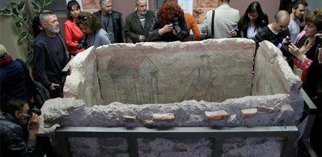 Archaeology Museum in Bulgaria's Plovdiv Shows for the First Time Newly Restored Early Christian Tomb with Murals of Jesus Christ's Miracles