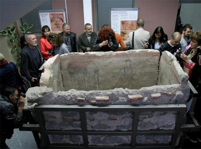 The 4th century AD Late Roman Early Christian tomb discovered in Bulgaria's Plovdiv in 2012 has been restored and shown to the public for the first by the Plovdiv Museum of Archaeology. Photo: 24 Chasa daily