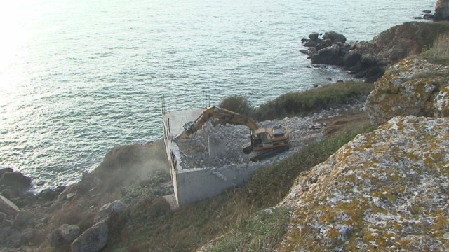 The demolition of the illegally built structure on the Black Sea coast in the Yailata Archaeological Preserve in Northeast Bulgaria. Photo: bTV