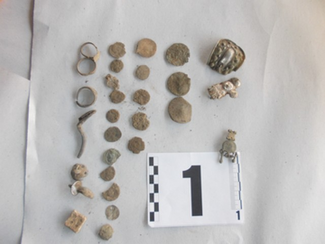 Part of the 946 archaeological artifacts captured by the Bulgarian police from treasure hunters in the northeastern District of Silistra. Photo: Press Center of Bulgaria's Interior Ministry