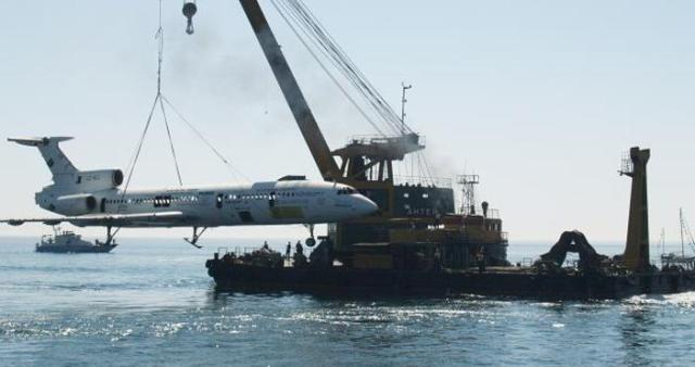 The submerging of the government plane of Bulgaria's former communist dictator Todor Zhivkov in the Black Sea off the coast of Varna back in 2011 in order to create an artificial reef and a diving attraction. Photos: Petel