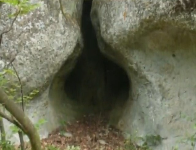 A photo of the womb cave discovered at the newly identified Thracian rock pyramid near Bulgaria's Kovil. Photo: TV grab from BNT 2