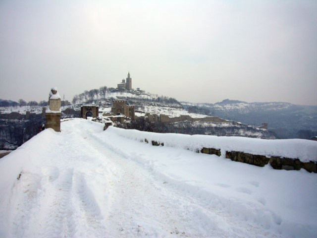 A wintry view of the Tsarevets Hill Fortress in Bulgaria's Veliko Tarnovo, one of the main citadels of the late medieval Bulgarian capital Tarnovgrad. Photo: Veliko Tarnovo Regional Museum of History