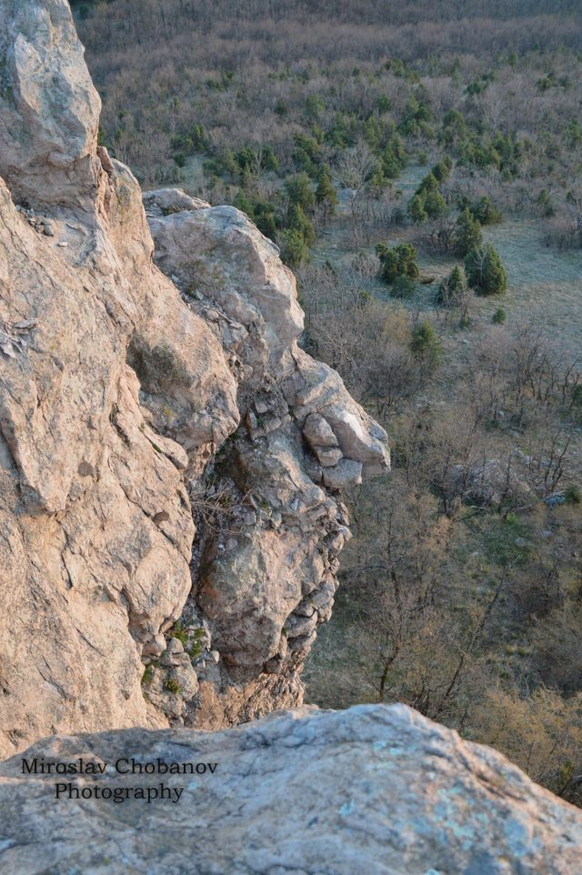 The male side face profile at the prehistoric Eagles' Rocks shrine near Bulgaria's Sarnitsa which was noticed by accident by young photographer Miroslav Chobanov, leading to the discovery of the shrine. Photo: Miroslav Chobanov, Mediacafe