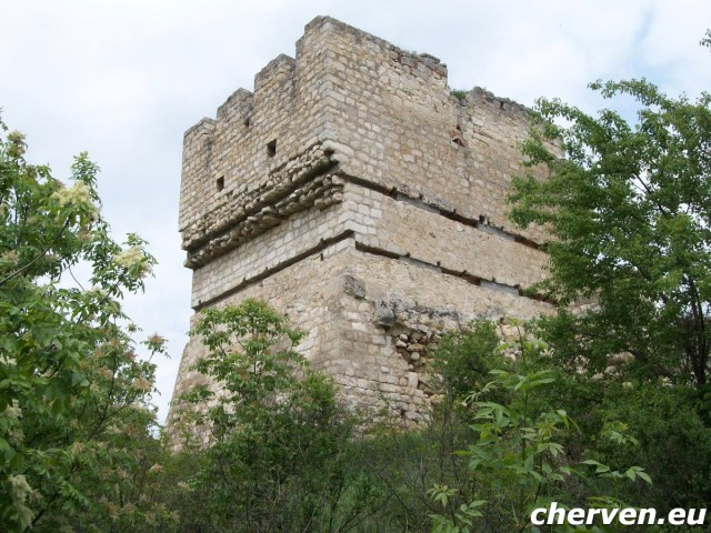 The surviving fortress tower at the citadel of the large medieval Bulgarian city of Cherven. Photo: Cherven.eu